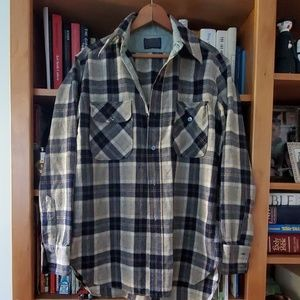 Vintage Mens Pendleton button up shirt